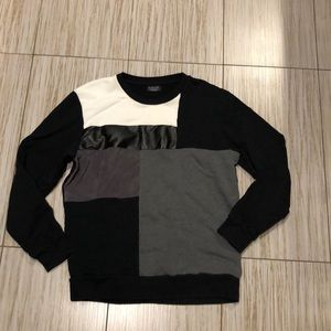 Zara men's sweater fits like medium/Large